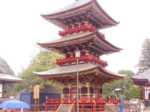 聖堂右手には三重塔があります。想像よりも小さかったw