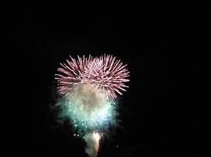 ものすごい量の花火が上がった