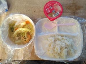 8月9日夕食は石川県料理の「とり野菜鍋」です
