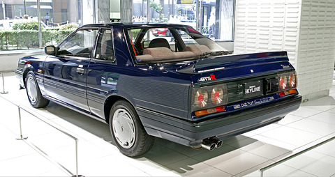 Nissan_Skyline_R31_2000_GTS-R_003