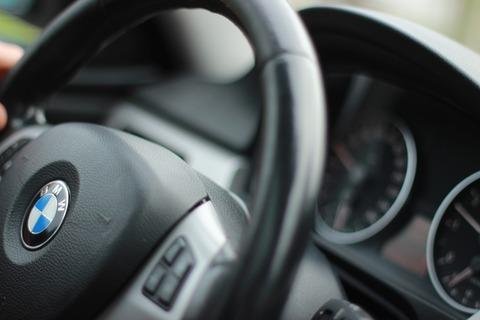 auto-999719_1920