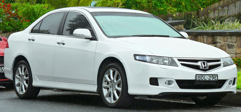 1280px-2005-2008_Honda_Accord_Euro_Luxury_sedan_(2011-11-17)