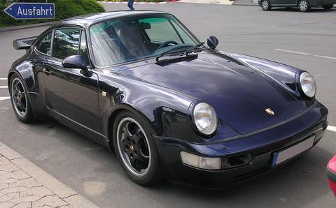 1024px-Porsche_964_Turbo