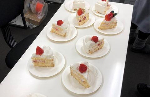 ケーキ準備中