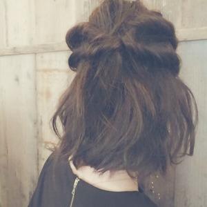 伸ばしかけの髪には、簡単アレンジで♡