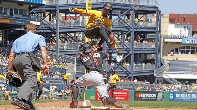 MLB_ジャンプ_ホームイン