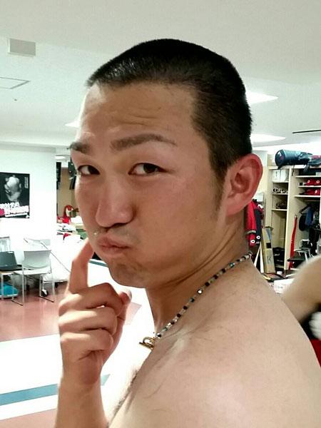 鈴木誠也坊主