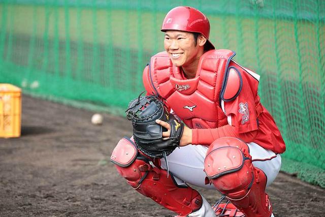 坂倉外野手挑戦