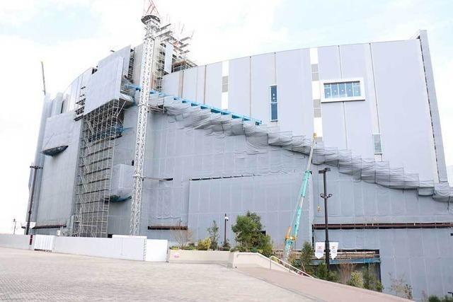 広島県福山市の会社がホークスの巨大滑り台を製造