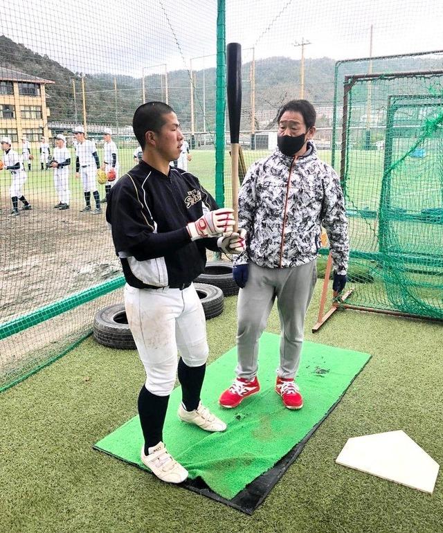 元カープ正田、アマゾン派遣社員×高校野球指導者の二刀流