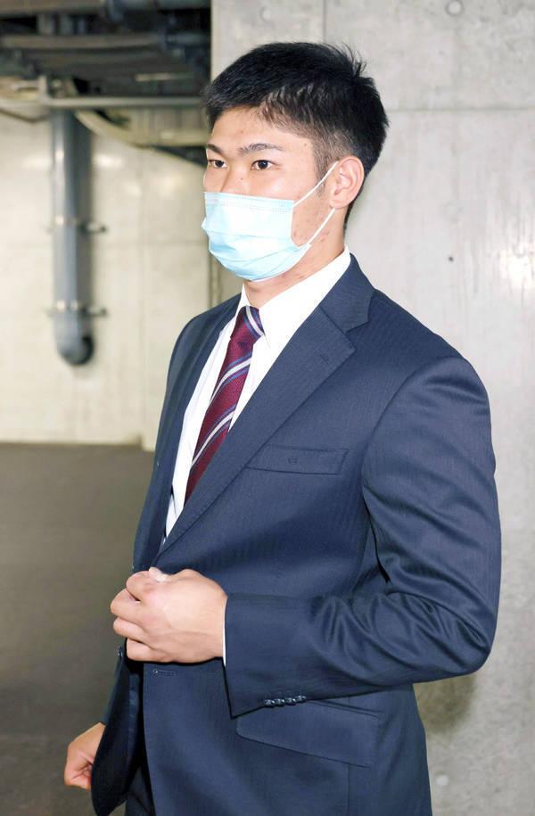 カープ坂倉将吾契約更改2020年