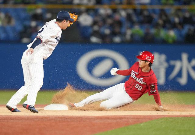 カープ曽根が『0盗塁』の呪縛解く12球団で最も遅い初盗塁