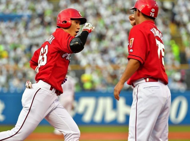 西川龍馬先頭打者ホームラン月間3本