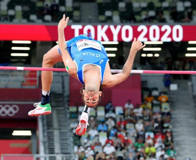 走り高跳び金メダル2人で分け合う2