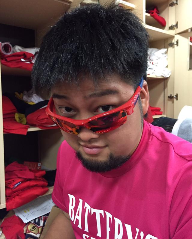 中崎翔太カープサングラス