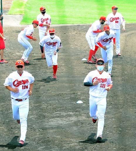 カープ2軍野手8人で練習試合