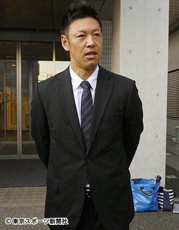 カープ久本引退打撃投手02