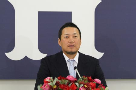 松山竜平契約更改2015_02