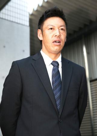 カープ久本引退打撃投手