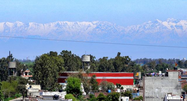 インド_ヒマラヤ山脈_見える_新型コロナ