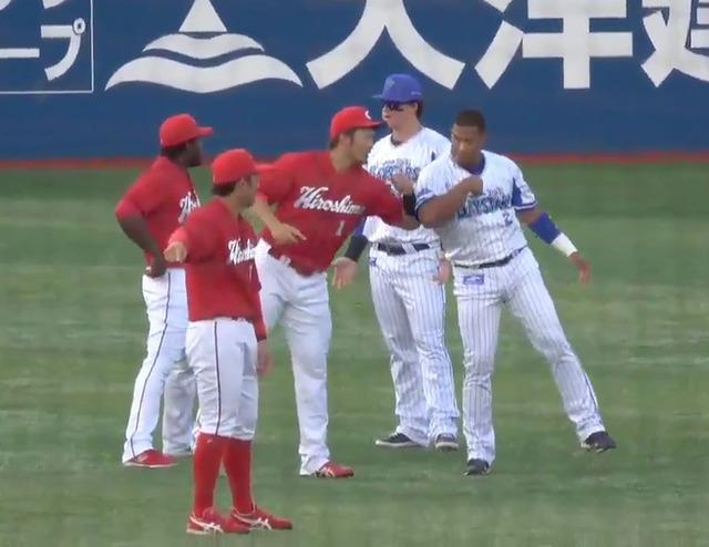カープ鈴木誠也、横浜ロペス&ソトらと仲良し_試合前に交流