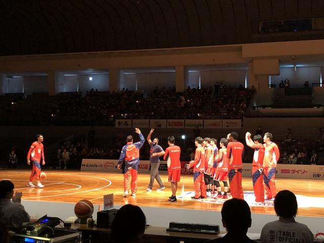 広島カープジャクソンバスケ始球式