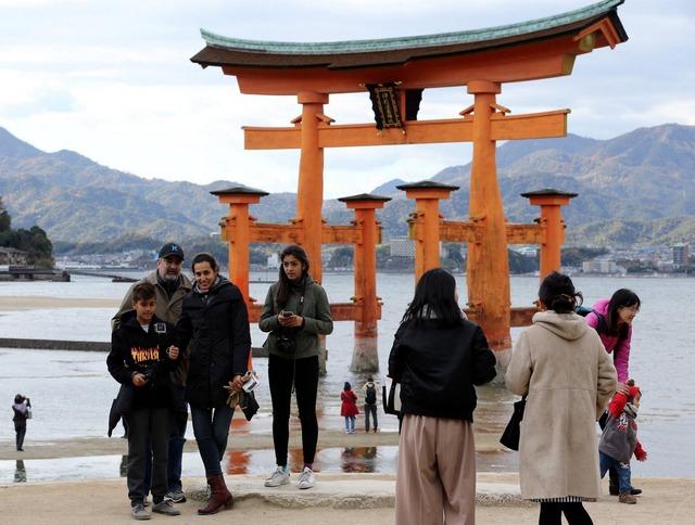 広島県宮島、入島税で100円を徴収する『宮島訪問税』可決