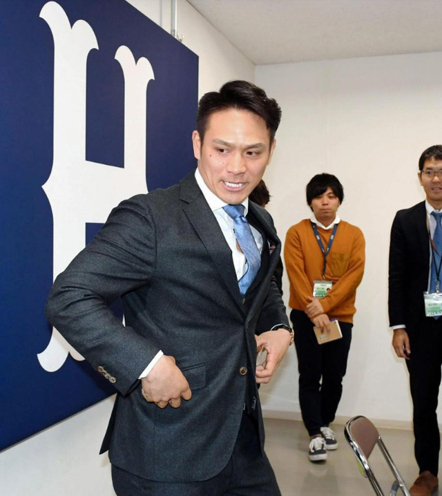 田中広輔契約更改年俸_03