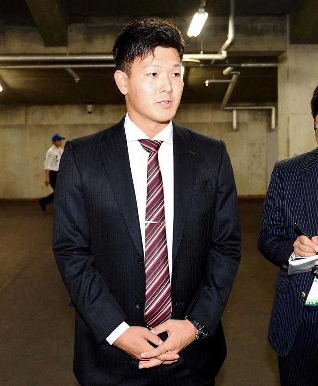 長井良太_戦力外通告