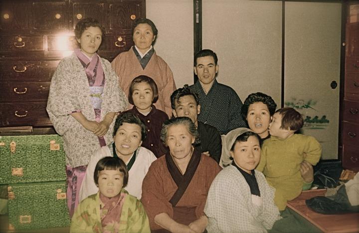 Hosokawa_family_1957