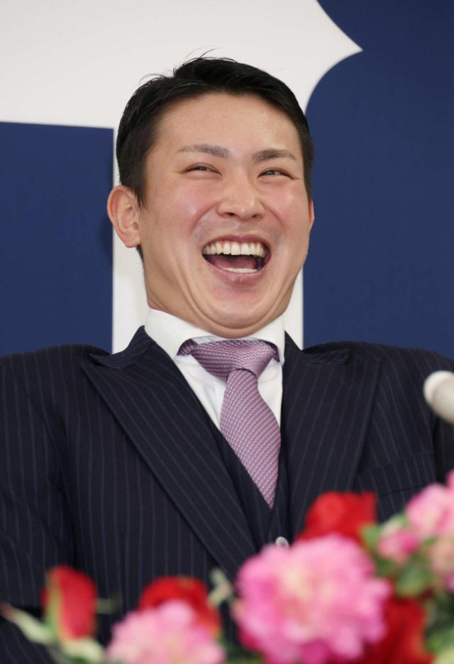 堂林翔太契約更改年俸笑顔