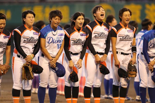 女子プロ野球36人が一斉退団