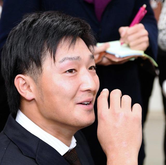 床田寛樹契約更改年俸