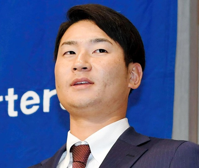 カープ島内颯太郎、400万増の1600万で契約更改