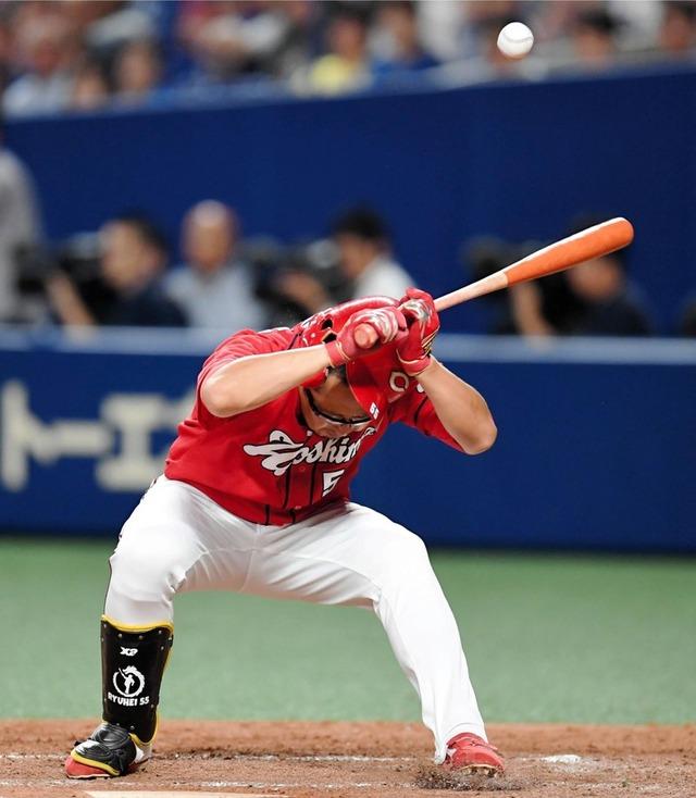 松山竜平今季2度目の頭部死球