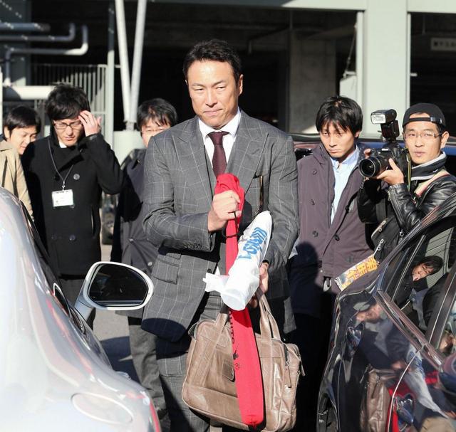 黒田博樹私服スーツ