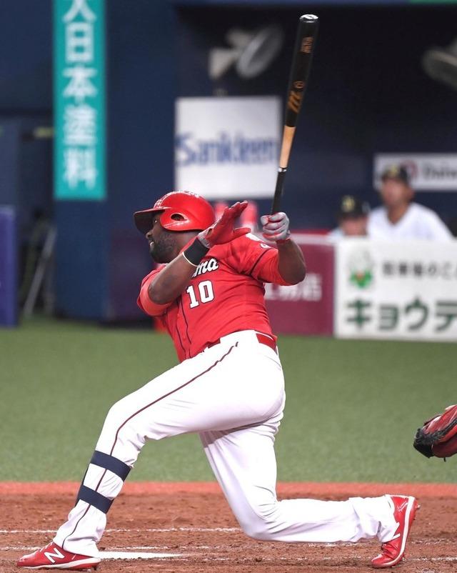 カープ田中広輔&ピレラが連続タイムリー2塁打