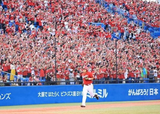 神宮球場カープファン