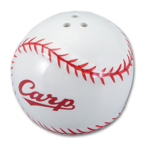 広島カープボール型のコショウ入れ