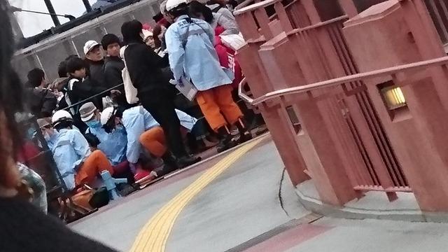 カープファン感デー2016行列_04