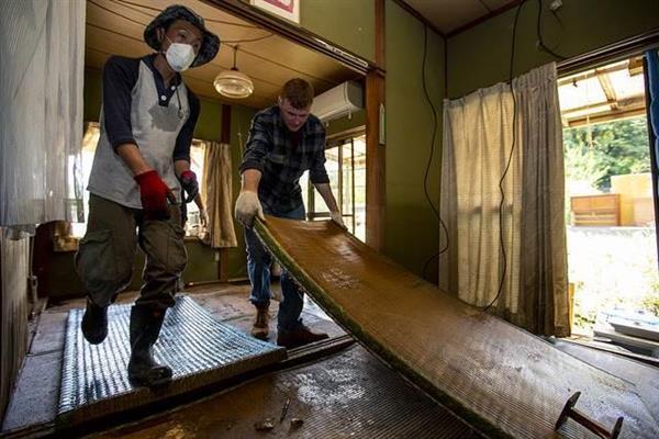 アメリカ軍西日本豪雨ボランティア_01