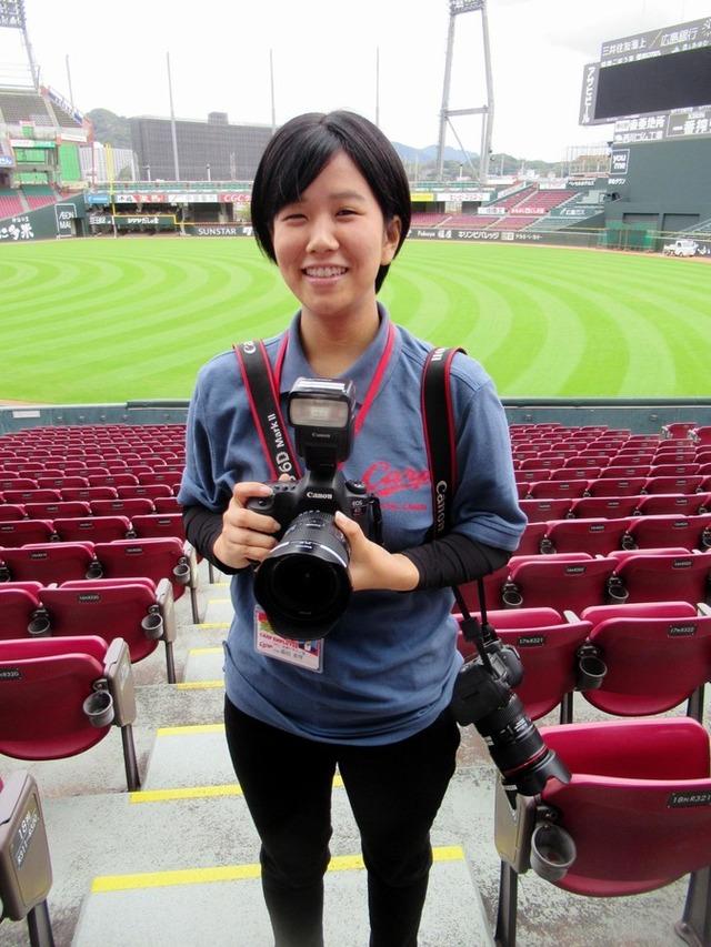 広島カープ女性カメラマン蔭田真琴