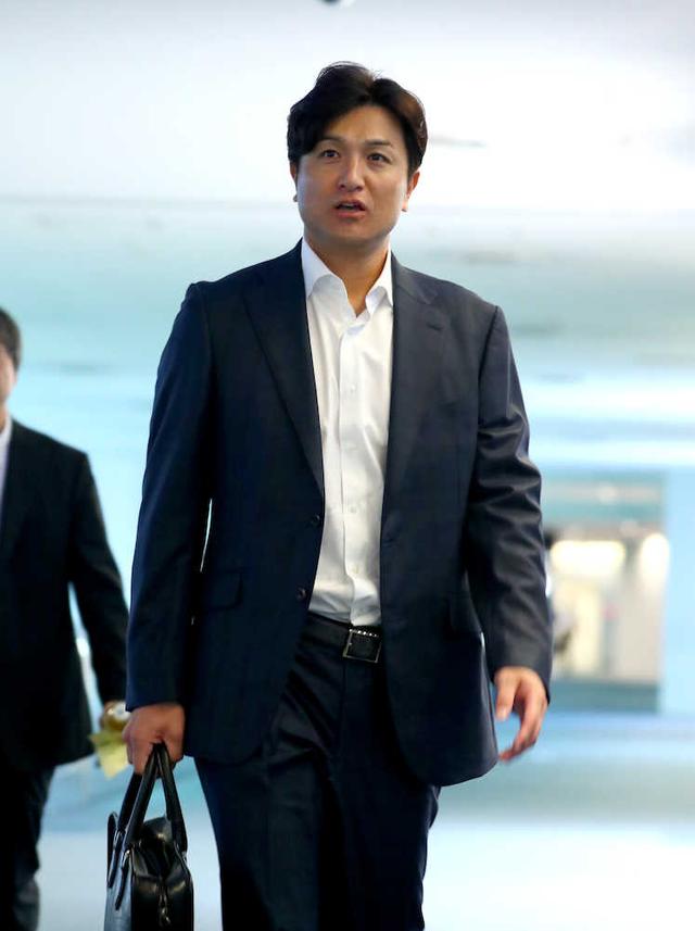 巨人高橋由伸監督辞任