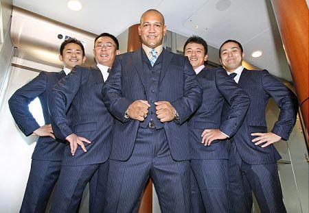 ラミレス監督スーツ