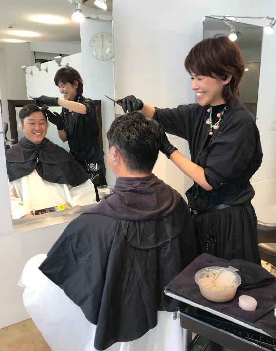 新井さん美容院初カラー