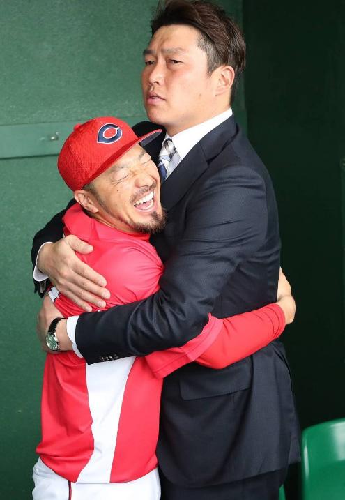 新井貴浩とかいうカープファンに絶大な人気を持つ男
