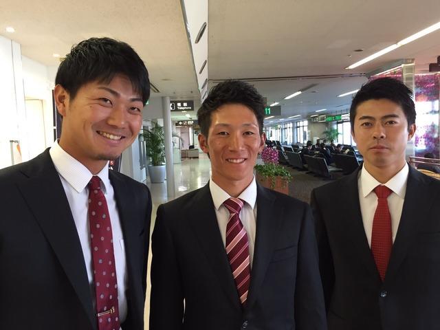 広島ドラ2横山_スーツ