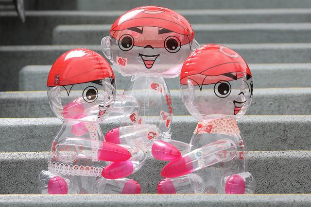 カープ坊やのビニール人形_11