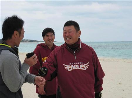 """楽天・大久保博元監督、久米島キャンプで""""運動会""""を開催するプランを明かす"""