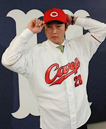 【カープ】新井貴浩、復帰会見で決意「燃え尽きたい」